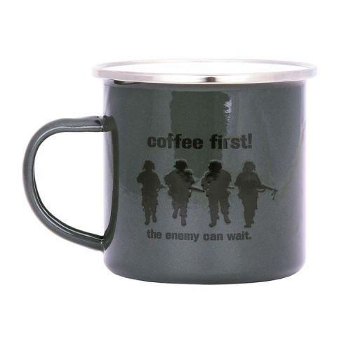 Emaille beker soldaten groen - Coffee First!